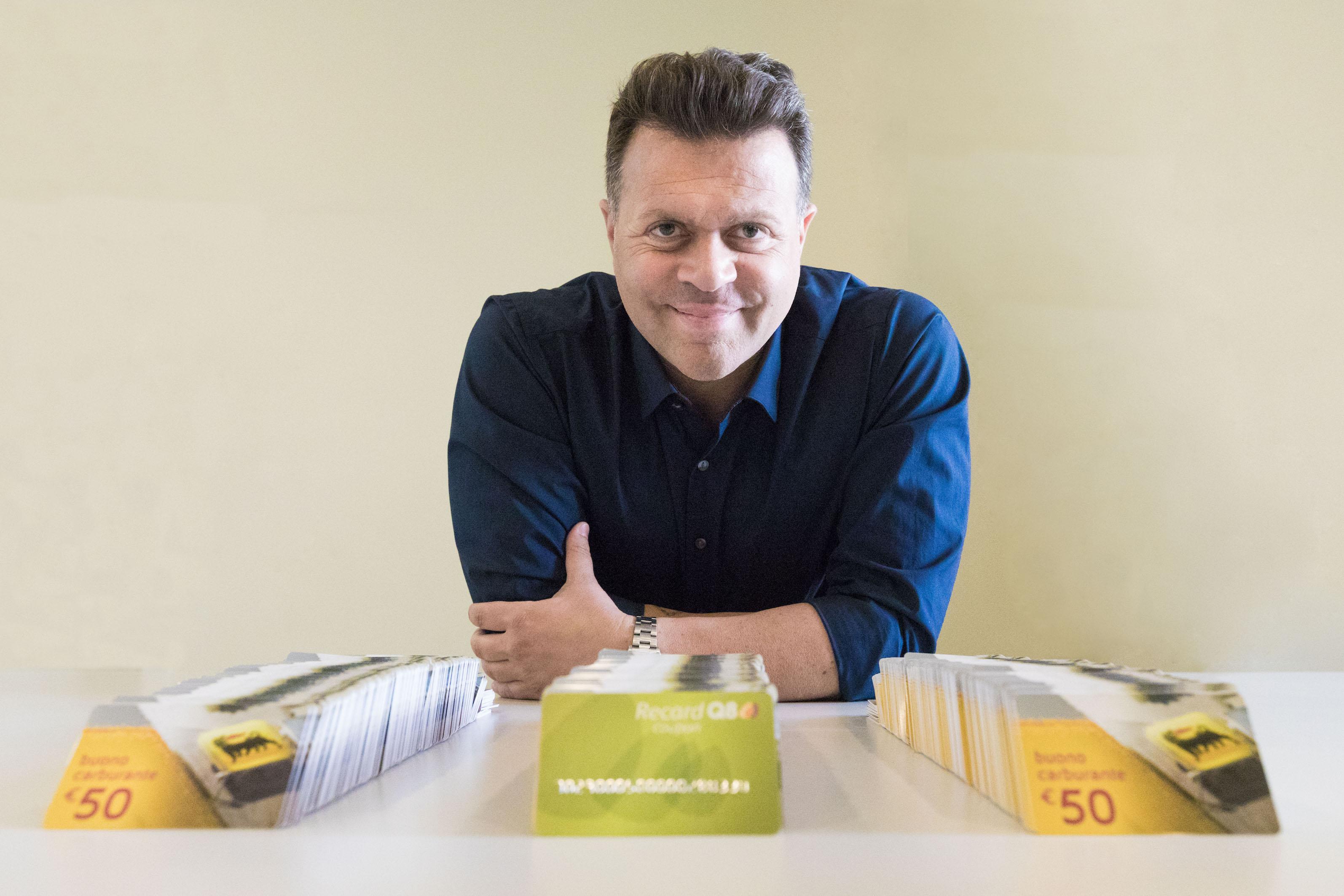 Ikea Ufficio Stampa : Arriva in italia sixth continent piattaforma e commerce di shopping